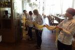 Solarise töötajad harjutavad pastapäeva pidustusteks