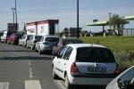 FOTOD: Ametiühingu blokaadid ja streik on tekitanud Prantsusmaal kütusekriisi, viiendik tanklatest on tühjad