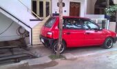 VIDEO: Vaata, sel mehel on eriti unikaalne meetod auto parkimiseks