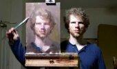 VIDEO: Mees maalib iseennast ja tulemus on hämmastav