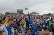 Vaoshoitud põhjamaalased? Oo ei, kui asi puudutab jalgpalli. Rõõmuhüüded Reykjavíki väljakul Inglismaaga peetud mängu ajal