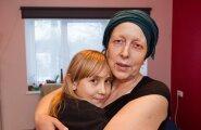 Anika Mõrd koos lapselapsega.