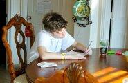 24-летний молодой человек: я не работаю и не учусь. Почему это должно кого-то интересовать?