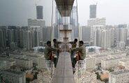 Hiina linnad aina kerkivad (ja raiskavad ohtralt vett). Ja siis jälle vajuvad.