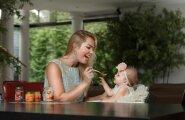 8-kuune Amelie teeb söömisega edusamme ja kaunile kleidile ei satu piiskagi. Milupa lastetoitudest on tema lemmikuks õuna-kõrvitsapüree.