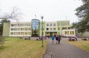 Rahumäe põhikoolis kukkus õpilasele tunni ajal vaheseina tükk pähe