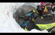 ВИДЕО: Чудо под лавиной: в Италии спасли 11 постояльцев заваленного отеля