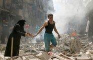 Süüria suurima linna Aleppo tänavapilt pärast järjekordset õhurünnakut.