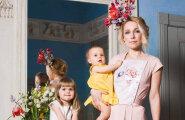 FOTOD JA VIDEO: Tuntud Eesti naised poseerivad Tallinn Dollsi moeseerias koos emade ja lastega