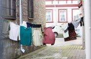 6 üllatavat nippi, kuidas pesu tõhusamalt kuivama riputada