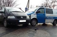 ФОТО: В Тарту пьяный водитель пытался скрыться от полиции и сбил женщину