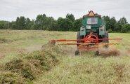 Rabivere küla metsaservast leiti töötava traktori lähedusest mehe surnukeha