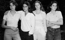 Võimsad FOTOD: Õed lasid aastas korra endast pilti teha ja nii 40 aastat järjest