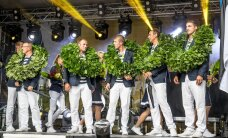 ФОТО: Бронзовым призерам Олимпиады в Рио вручили дубовые венки