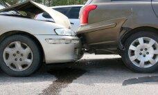 Liiklusõnnetuste kroonika: Narvas viidi avarii tagajärjel haiglasse 1-ja 5-aastane tüdruk, Kilingi-Nõmmes sõitis auto liinibussile otsa