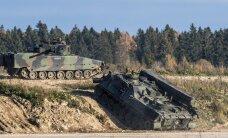 ФОТО и ВИДЕО DELFI: В Тапа показали, на что способны прибывшие из Нидерландов боевые машины
