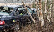 Harku vallas kaotas juht auto üle kontrolli ja sõitis teelt välja