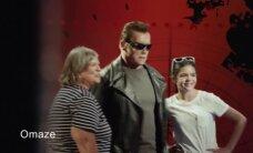 VIDEO: Arnold Schwarzenegger ehmatas vahakujude muuseumis fänne