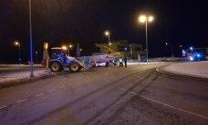 DELFI FOTOD: Tartu vangla juures sulges kummuli paiskunud veok Ihaste silla liikluse