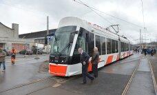 DELFI FOTOD: Tallinnas alustab täna liinil nr 3 sõitu uhiuus tramm