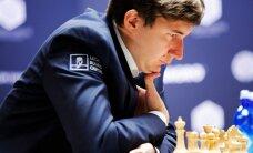Затишье перед бурей: Карякин и Карлсен сыграли вничью