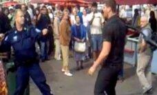 """VIDEO: Kuulus eestlasest """"kung-fu seenemüüja"""", kes tegi tuule alla Soome politseile, ilmus välja Tallinna maasikamüüjana"""