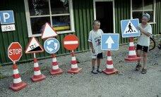 Maanteeamet selgitab: eelkooliealine laps sõltub liikluses täielikult täiskasvanu suunamisest, õpetusest ja järelevalvest