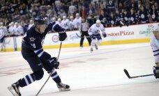 VIDEO: Verinoor Soome hokiäss viskas NHL-is kübaratriki
