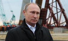 Путин предложил временно освободить от уплаты налогов самозанятых россиян