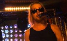 VIDEO: Enam ei üksinda kodus ega laval! Malcaulay Culkin tegi pitsabändiga muusikudebüüdi