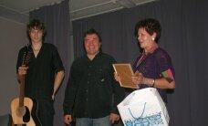 Urmas Alenderi mälestuskontsert tõi Varbolas saali rahvast täis