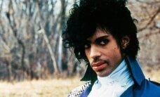 HIIGELGALERII: Sära, glamuuri ja geniaalsust läbi aegade: Vaata, milliste kostüümidega Prince oma fänne aastakümnete jooksul üllatas