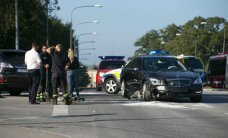 FOTOD: Rootsi kuningas sattus Stockholmis tõsisesse autoavariisse