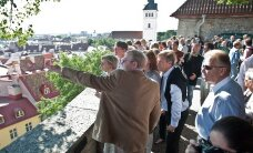 ФОТО: Лаар провел экскурсию для друзей Эстонии