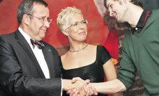 President Ilves on pesueht indie-mees
