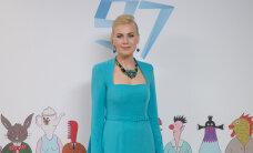 Viis tuntud Eesti naist annetavad oma presidendi vastuvõtul kantud kleidid vähihaigete aitamiseks