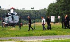 FOTO: Kaitsepolitsei ja ärimees Tuulberg lendasid Ruhnule riikliku kopteriga, maamõis oli vaja läbi otsida