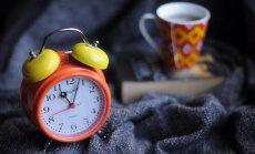 Arst annab nõu, kuidas kella keeramise järel unega toime tulla