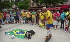 DELFI VIDEO: Soliidses eas trikimees demonstreerib olümpiafinaali eel, mis ta jalgpalliga teha oskab