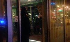 Laine baaris ründas mees naist tooliga