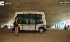 VIDEO: Helsingi tänavail vuravad teokiirusel kaks isejuhtivat minibussi