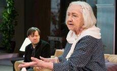 Ita Ever mängib seekord toimekat teenijat, keda kõk tegelased Nänniks kutsuvad. Mait Malmsten mängib perepoega, kes tunneb muu hulgas, et teda on alati kõige vähem armastatud.