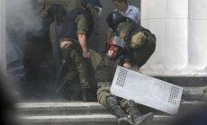 Siseminister: Kiievi kokkupõrgetes hukkus üks ja sai kannatada 125 inimest
