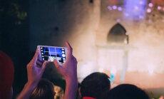 INETU LUGU: Haapsalus tuli katkestada Valge Daami etendus, kuna hooletud pealtvaatajad jätsid mobiiltelefonid välja lülitamata