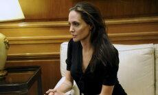 Milline vapustav ilu: vaata fotosid 15aastasest Angelina Jolie'st