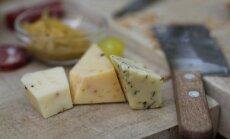 Noored mehed teevad Vastseliinas erilise maitsega juustusid