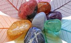 Tasakaalusta ja ravi oma tšakraid tervendavate kristallide abil