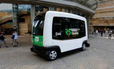 Buss on, juhti pole: Jaapanis hakkab peagi poodlejaid vedama tilluke Robot Shuttle