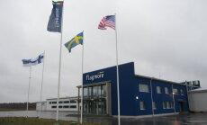 Riot kaunistavad Eesti külas valminud lipumastid