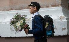 Esimene koolipäev, kooli tõttavad lapsed